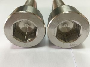 производители на крепежни елементи DIN 6912 болт с гнездо за титаниев шестоъгълник